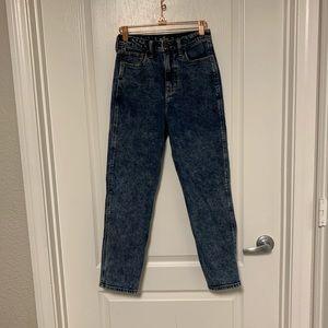 Hollister Dark Wash High Rise Mom Jean Size 26